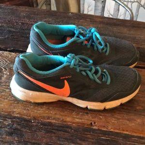 8.5 Nike